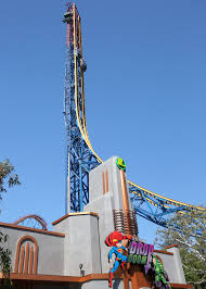six flags magic mountain lex luthor u201cdrops in u201d on superman from record breaking height at