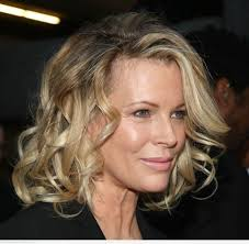 11 flattering hairstyle for women over 50 u2013 hairstyles for woman