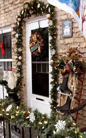 Christmas Exterior Decorations by Christmas Porch Decorations Christmas Celebrations