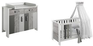 chambre bébé et gris idee pas barreaux chambre et lit bois deco reglable peint blanc en