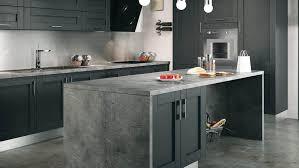 cuisine en noir quelle couleur accorder avec une cuisine