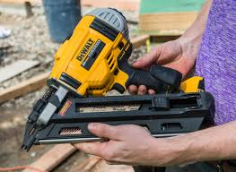 Paslode Coil Roofing Nailer by Dewalt Dcn690 Cordless Framing Nailer Tools Of The Trade Nail