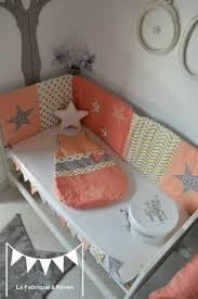 d orer la chambre de b tour lit gigoteuse 0 6 mois bébé fille abricot corail doré gris