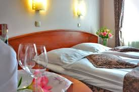 here s how to find cheap hotel rooms traveling the world