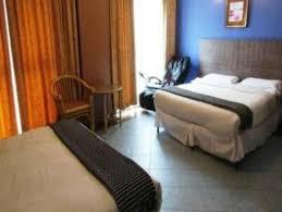 Bathroom Picture Of Claremont Hotel Singapore Singapore - Hotels in singapore with family rooms