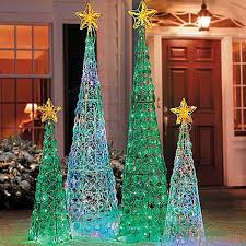Outdoor Christmas Decor On Clearance by Best 25 Outdoor Christmas Decor Porches Ideas On Pinterest