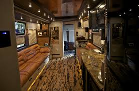 Celebrity Interior Homes by The Zac Brown Band Gives Hgtv U0027s Celebrity Motor Homes A Look At