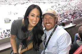 Joanna Gaines Facebook Fixer Upper U0027 Star Joanna Gaines Talks About Expanding Her Family