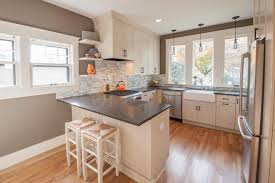 Small Kitchen Design With Peninsula Small Kitchen With Peninsula Ideas