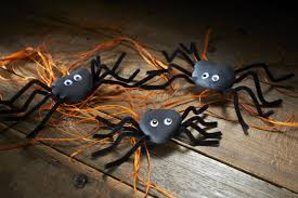 halloween spiders how to make pebble spiders hobbycraft blog