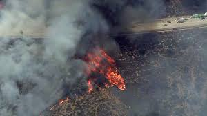 210 Freeway Map 1 500 Acre La Tuna Canyon Fire Threatens Homes Prompts 210