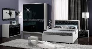Schlafzimmer Schwarzes Bett Welche Wandfarbe Ideen Für Dein Schlafzimmer In Schwarz U0026 Weiß Wohnideen