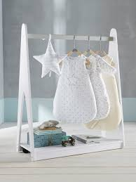 porte v黎ements chambre portant à vêtements avec étagère thème ciel d étoiles blanc