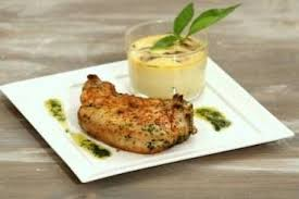 cuisiner cote de porc recette de côte de porc marinée aux herbes et flan de chignons