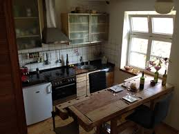 küche mit esstisch individuelle schreinerküchen klassisch modern oder