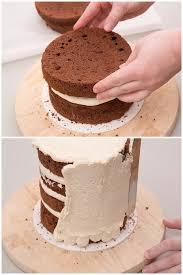 hochzeitstorte selber machen hochzeitstorte selber backen cake mit eukalyptus und blumen