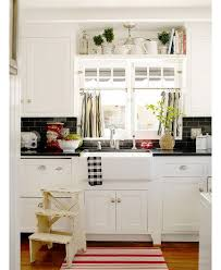 Kitchens With White Cabinets And Black Countertops by 197 Best Kitchens Images On Pinterest Home Dream Kitchens And