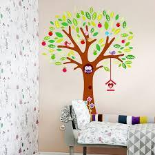 stickers arbre pour chambre bebe stickers arbre dans la chambre bébé et enfant en 28 idées
