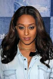 middle parting weave hairstyles best 25 middle part weave ideas on pinterest middle part sew in