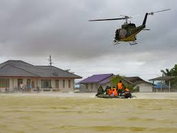 Thailand Home Design News by Thailand Floods Kill At Least 25 People And Causes Traffic Jams