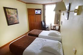 chambre lit jumeaux chambre lit jumeaux standard photo de hotel porte mars reims