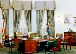 oval office decor history cote de texas and so the new decor at the white house begins
