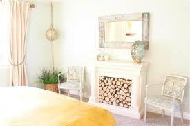 Beachy Bedroom Furniture by Whitney U0026amp Dustin U0027s Bright Beachy Bedroom Apartment Therapy