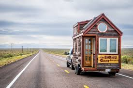 Tinyhometour This Tiny House Couple Are On A Giant Journey