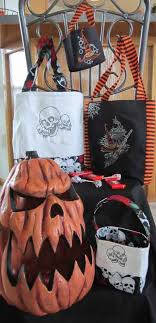 trick or treat bags how to make your own trick or treat bags weallsew