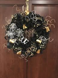 New Year S Eve Outdoor Decorations by 93 Best Wreaths New Years Wreath And Door Decor Images On
