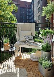 renter gardens ideas for balconies and courtyards