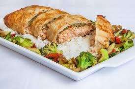 cuisiner filet de saumon filet de saumon et légumes à la chinoise en papillote de phyllo