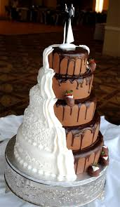 Wedding Cake No Icing Half Traditional For The Bride And Half Modern For The Groom This