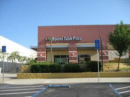 round table mt shasta round table pizza mt shasta mall redding ca pizza shops