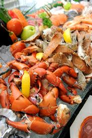 Buffet With Crab Legs by Stream Crab Legs Fresh Seafood On Ice Dinner Buffet Stock Photo