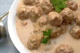 turkey meatballs in creamy mushroom mushroom meatballs in easy creamy galic sauce from platter talk
