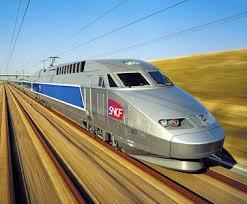 Un train superbe pour les facteurs! Images?q=tbn:ANd9GcSh0uhMNauWDIObMiv_iQEHTXry7L9KKVpX_BIHavuMWLevi9j45Q