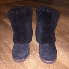 ugg patten sale 72 ugg shoes s patten black uggs from s closet