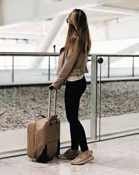 travel airport style how to look fashionable during