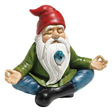 amazon com design toscano zen garden gnome statue garden u0026 outdoor
