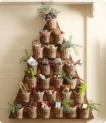 tree advent wall décor