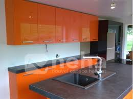 cuisine couleur orange cuisine aménagée laqué de couleur orange neha cuisine franqueville 76