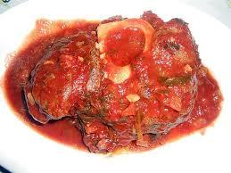 cuisiner jarret de boeuf recette de jarret de boeuf sauce tomate et tagliatelle