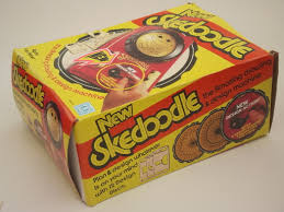 skedoodle drawing toy in box retro vintage hasbro etch a sketch