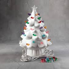 lightedstmas trees outstanding 0056191 lighted tree at