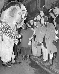 picture macy s thanksgiving day parade through the years abc news