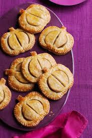 quick thanksgiving desserts pumpkin hand pies