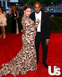 Kim Kardashian Pregnant Meme - the internet s 10 funniest reactions to kim kardashian s floral