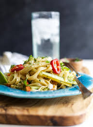 asian noodle salad with spicy sesame dressing easy healthy