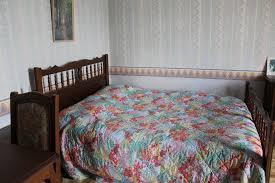 chambre d hote dans les arbres chambre d hotes la maison d arbre le grand luce chambres d hôtes
